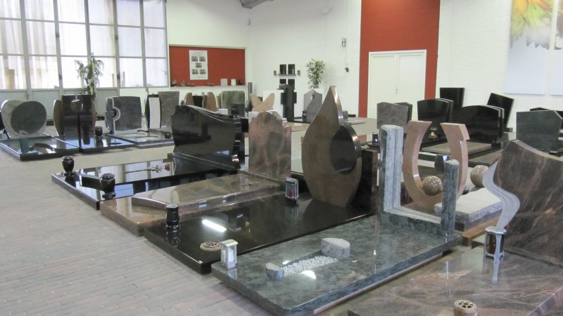 showroom grafstenen
